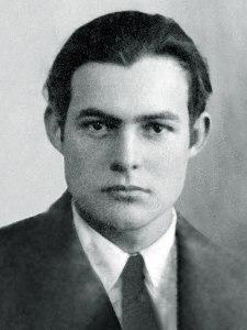 450px-Ernest_Hemingway_1923_passport_photo